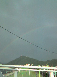 金華山に架かる虹